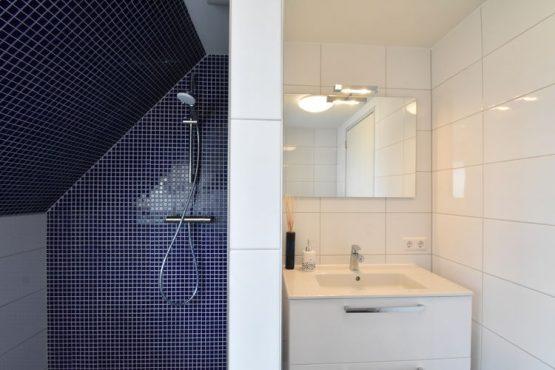 Villapparte-Belvilla-Villa Duin in Julianadorp-luxe vakantievilla voor 8 personen-luxe badkamer