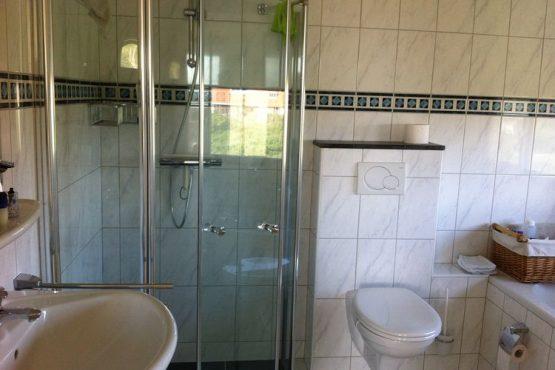 Villapparte-Belvilla-Villa Duindroom-luxe vakantiehuis voor 6 personen in Midsland-Terschelling-complete badkamer