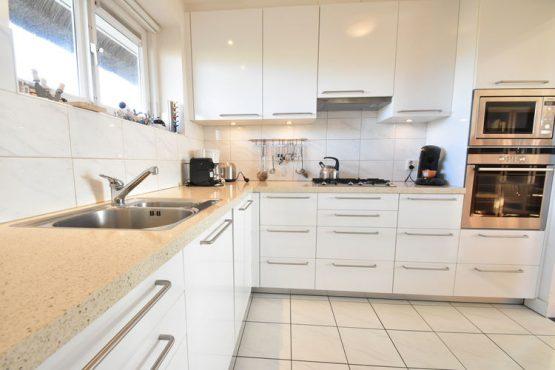 Villapparte-Belvilla-Villa Duindroom-luxe vakantiehuis voor 6 personen in Midsland-Terschelling-luxe keuken
