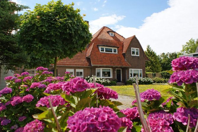 Villapparte-Belvilla-Villa Helmond-luxe vakantievilla voor 16 personen in helmond-Noord Brabant