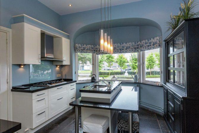 Villapparte-Belvilla-Villa Helmond-luxe vakantievilla voor 16 personen in helmond-Noord Brabant-luxe woonkeuken