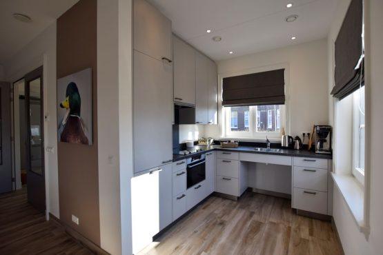 Villapparte-Belvilla-Villa Kaagervaaring-luxe 8-persoons vakantievilla-Kaag-Zuid-Holland-luxe keuken