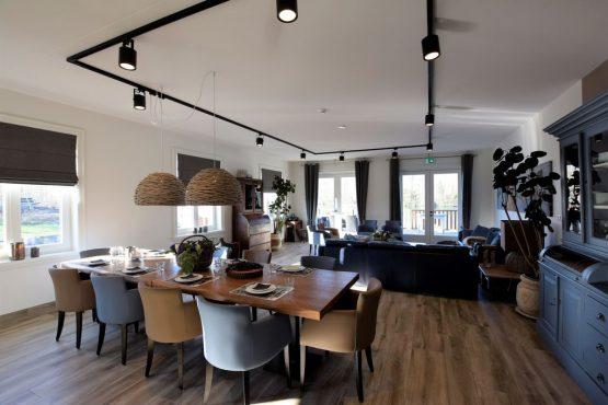 Villapparte-Belvilla-Villa Kaagervaaring-luxe 8-persoons vakantievilla-Kaag-Zuid-Holland-moderne eethoek