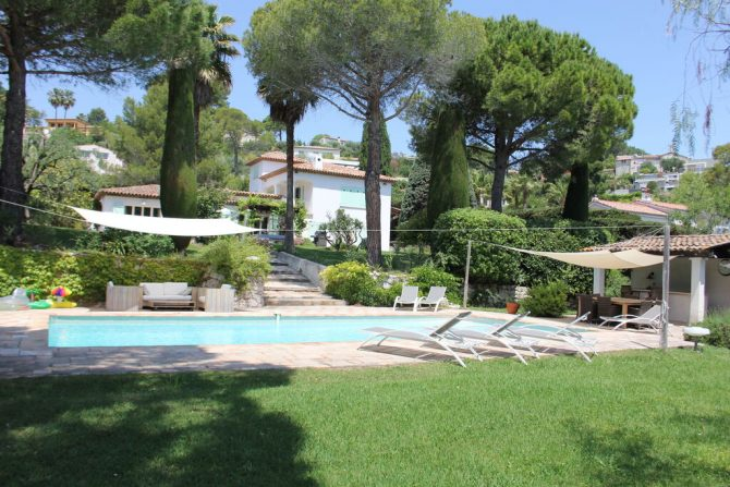 Villapparte-Belvilla-Villa La Salamandre Côte d'Azur-luxe vakantiehuis voor 10 personen met zwembad