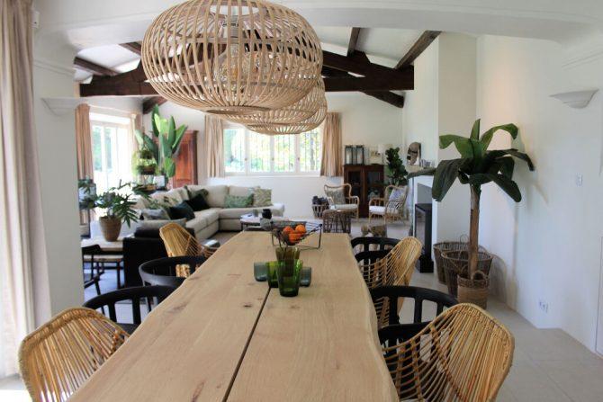 Villapparte-Belvilla-Villa La Salamandre Côte d'Azur-luxe vakantiehuis voor 10 personen met zwembad-eethoek