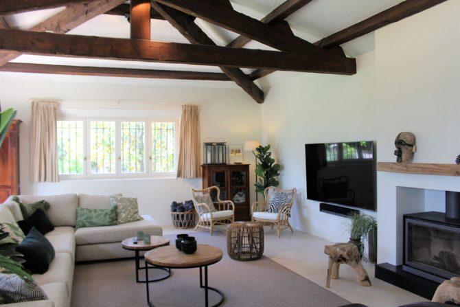 Villapparte-Belvilla-Villa La Salamandre Côte d'Azur-luxe vakantiehuis voor 10 personen met zwembad-gezellige woonkamer