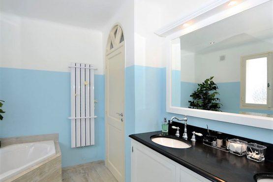 Villapparte-Belvilla-Villa La Salamandre Côte d'Azur-luxe vakantiehuis voor 10 personen met zwembad-luxe badkamer