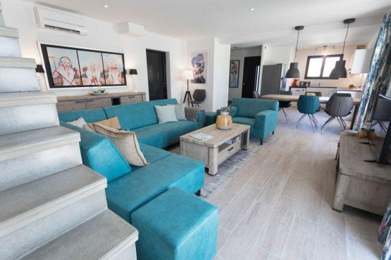 Villapparte-Belvilla-Villa Luna Languedoc-luxe vakantiehuis voor 8 personen-privé zwembad-gezellige woonkamer