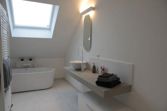 Villapparte-Belvilla-Villa Polderduin-Luxe vakantievilla voor 14 personen in Zuidzande-Zeeland-luxe badkamer