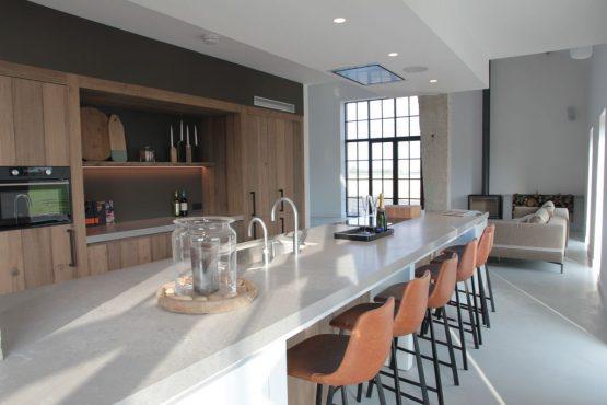 Villapparte-Belvilla-Villa Polderduin-Luxe vakantievilla voor 14 personen in Zuidzande-Zeeland-luxe keuken