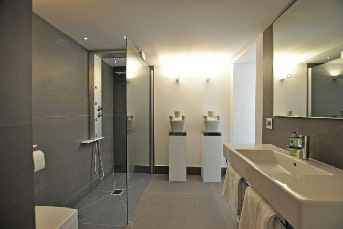 Villapparte-Belvilla-Villa Six Cent Douze-luxe vakantiehuis-Zuid Frankrijk-Luxe badkamer