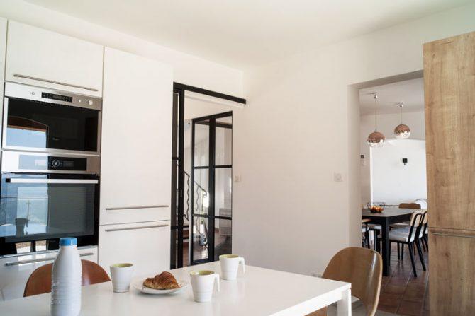 Villapparte-Belvilla-Villa Vue Mer Côte d'Azur-luxe vakantiehuis met zwembad voor 10 personen-luxe keuken