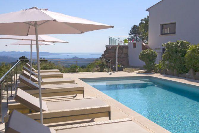 Villapparte-Belvilla-Villa Vue Mer Côte d'Azur-luxe vakantiehuis met zwembad voor 10 personen-met prive zwembad en uitzicht