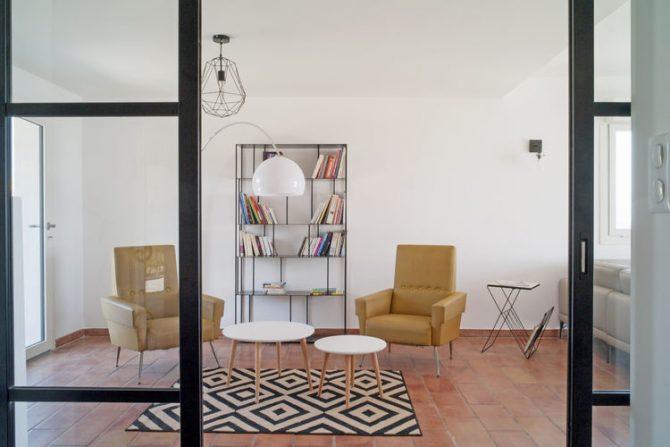 Villapparte-Belvilla-Villa Vue Mer Côte d'Azur-luxe vakantiehuis met zwembad voor 10 personen-modern en luxe woonkamer