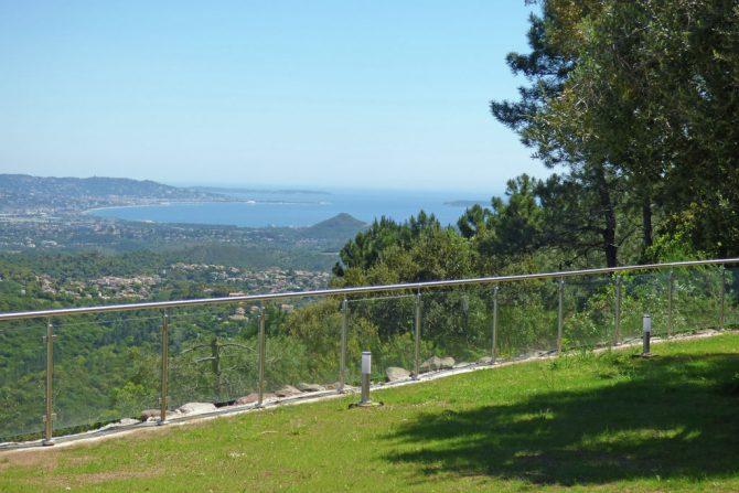 Villapparte-Belvilla-Villa Vue Mer Côte d'Azur-luxe vakantiehuis met zwembad voor 10 personen-prachtig uitzicht