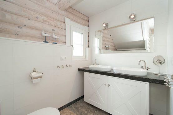 Villapparte-Belvilla-Villa de Pierewaaier-luxe vakantiehuis voor 8 personen-Sint Maartenszee-Luxe badkamer