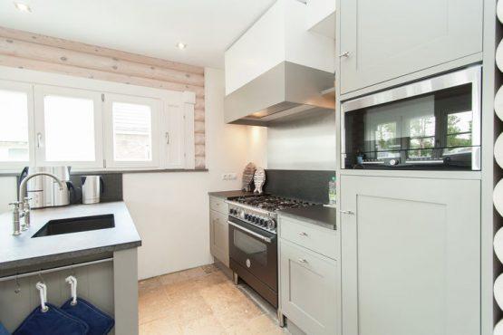 Villapparte-Belvilla-Villa de Pierewaaier-luxe vakantiehuis voor 8 personen-Sint Maartenszee-luxe keuken
