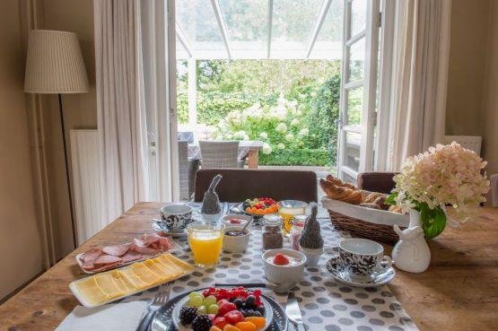 Villapparte-Natuurhuisje 27831-Vakantiehuis in het Gooi-4 personen-Naarden-Noord-Holland-gezellige eetkamer