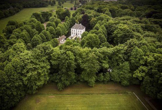 Villapparte-Natuurhuisje 29852-Historisch vakantiehuis in Loon op Zand-historisch kasteel-4 personen-met terras