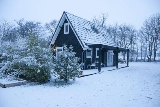 Villapparte-Natuurhuisje 36251-Fin's Vakantiehuis in Bergen-3 personen-Noord-Holland-wintersfeer