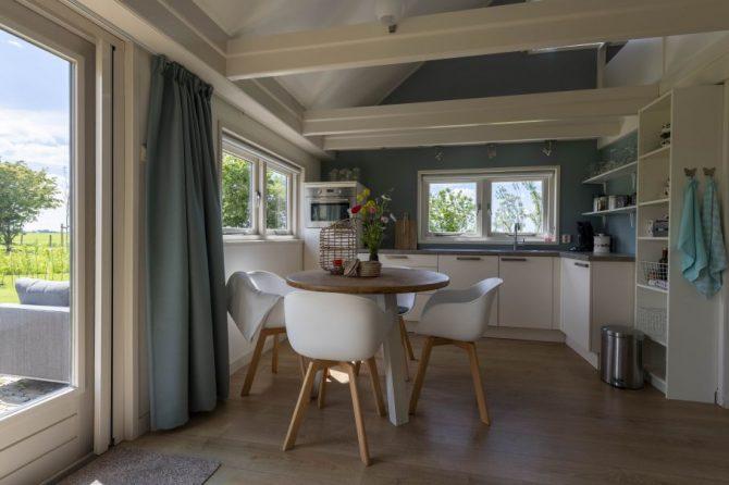 Villapparte-Natuurhuisje 37959-landelijke schapenschuur in Boksum voor 4 personen-Friesland-complete keuken