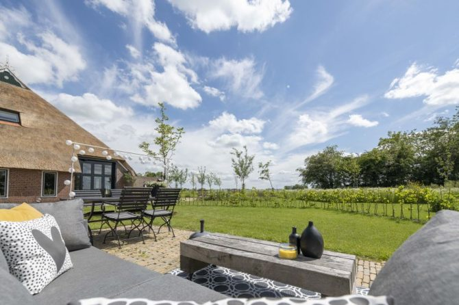 Villapparte-Natuurhuisje 37959-landelijke schapenschuur in Boksum voor 4 personen-Friesland-loungeset in tuin