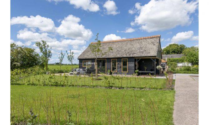 Villapparte-Natuurhuisje 37959-landelijke schapenschuur in Boksum voor 4 personen-Friesland-met uitzicht