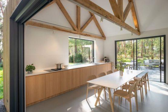 Villapparte-Natuurhuisje 45764-Moderne bosvilla in Tonden-10 personen-Gelderland-lichte eethoek