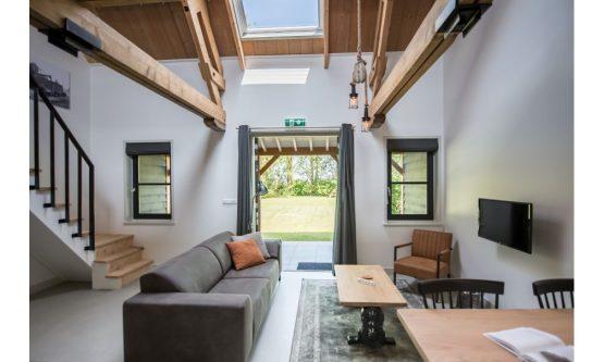 Villapparte-Natuurhuisje 47757-Romantische Loft in Noordwelle voor 2 personen-Zeeland-moderne woonkamer
