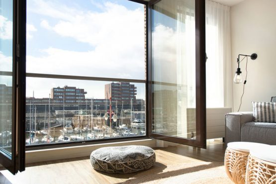 Villapparte-Belvilla-Appartement Scheveningen 60-luxe vakantieappartement voor 6 personen in Scheveningen-Zuid-Holland-frans balkon