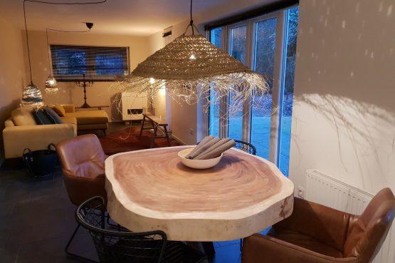 Dorpswoning In het Bos - Villapparte -romantisch vakantiehuis voor 4 personen - Noord Brabant - gezellige eethoek