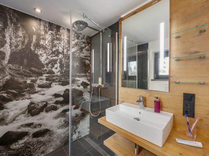 Villapparte-Center Parcs Allgau-Zuid-Duitsland-luxe vakantiehuis met sauna-8 personen-badkamer met inloopdouche