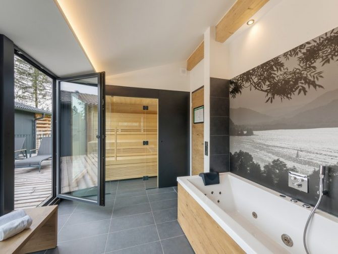 Villapparte-Center Parcs Allgau-Zuid-Duitsland-luxe vakantiehuis met sauna-8 personen-badkamer met sauna
