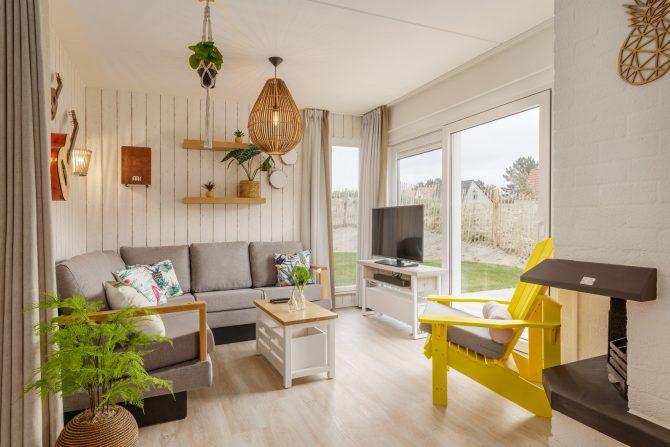 Villapparte-Center Parcs-Beach Villa-Luxe vakantiehuis voor 4 personen-Zandvoort-Noord-Holland-gezellige vintage woonkamer