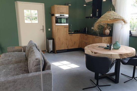 Villapparte-Dorpswoning het Atelier-luxe vakantiehuis voor 2 personen-Noord-Brabant-luxe keuken