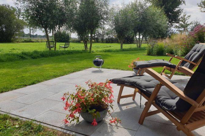 Villapparte-Dorpswoning het Atelier-luxe vakantiehuis voor 2 personen-Noord-Brabant-terras met uitzicht