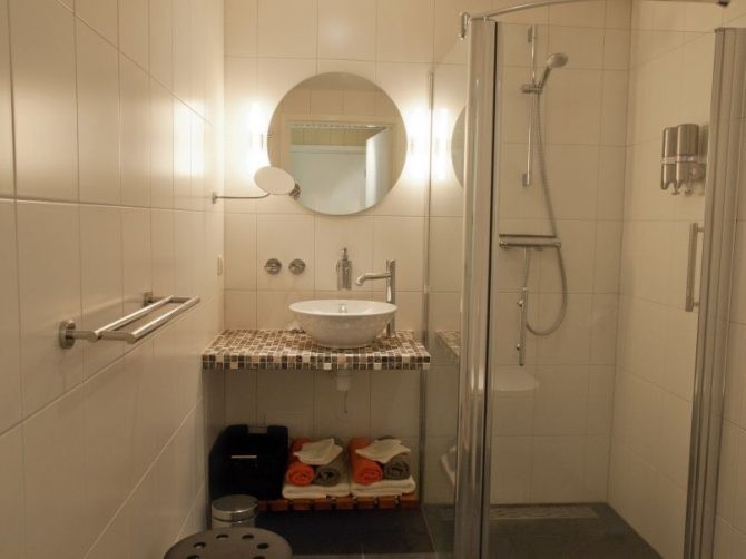 Villapparte-Vakantiehuis Het Drents Friese Woud-Makkinga-Friesland-4 personen-luxe badkamer
