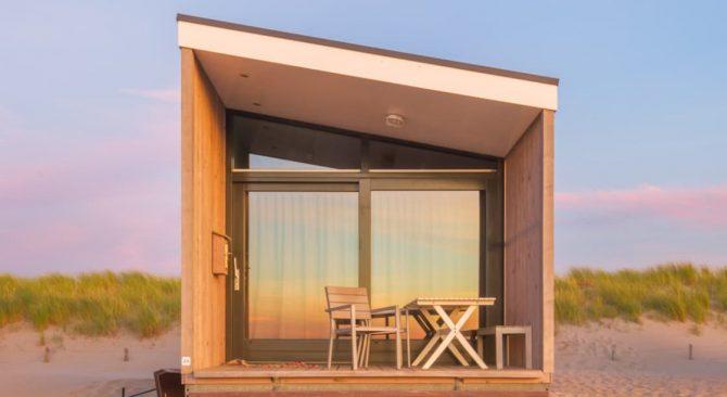 Villapparte-Kijkduin Strandhuisjes-4 personen-uniek strandhuisje op het strand-Zuid-Holland-Den Haag-ondergaande zon