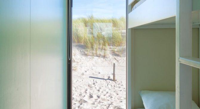 Villapparte-Kijkduin Strandhuisjes-4 personen-uniek strandhuisje op het strand-Zuid-Holland-Den Haag-uitzicht op de duinen