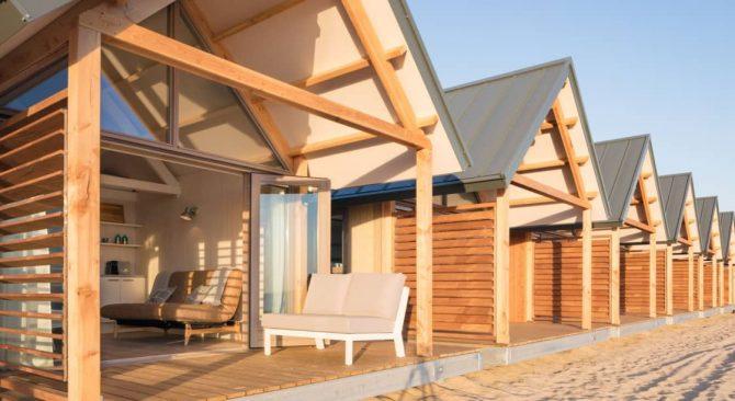 Villapparte-LARGO Noordzee Resort Vlissingen- Beach House Vlissingen-Roompot-Strandhuisje voor 5 personen-op het strand-buiten terras