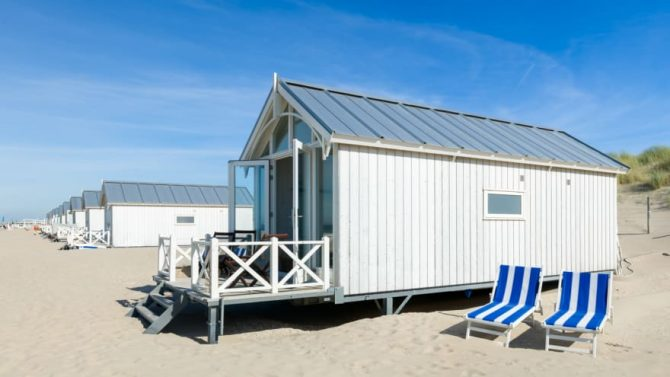 Villapparte-Largo Beach Houses Den Haag-Haagse Strandhuisjes-4 of 5 personen-uniek strandhuisje op het strand-Zuid-Holland-Den Haag-met ligbedden