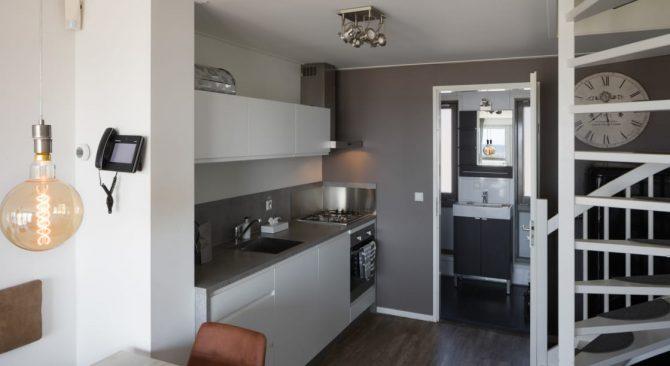 Villapparte-Largo Beach Villa Hoek van Holland-villa op het strand voor 6 personen-Zuid-Holland-luxe keuken