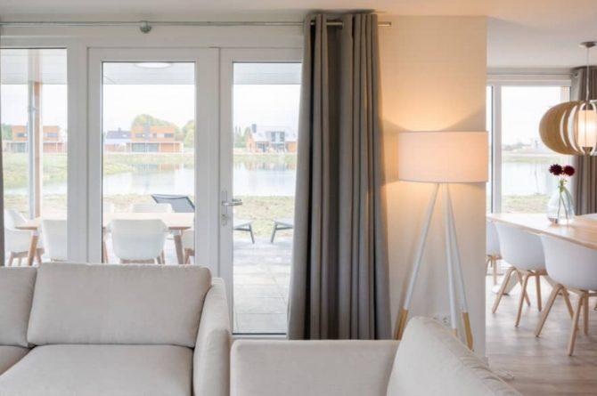 Villapparte-Largo Domein Het Camperveer-Watervilla Byron 6 luxe villa voor 6 personen-woonkamer met uitzicht-Veerse Meer-Zeeland