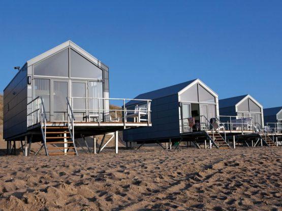 Villapparte-Strandhuisje Julianadorp-Direct op het strand-voor 4 personen-Noord-Holland