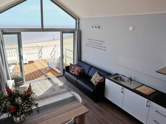 Villapparte-Strandhuisje Julianadorp-Direct op het strand-voor 4 personen-Noord-Holland-complete keuken