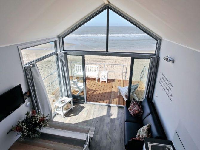 Villapparte-Strandhuisje Julianadorp-Direct op het strand-voor 4 personen-Noord-Holland-uitzicht op zee