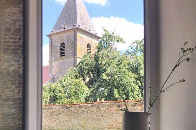 Villapparte-La Maison de Mar-romantisch vakantiehuisje voor 4 personen-Champagne streek-Frankrijk-uitzicht naar de kerk