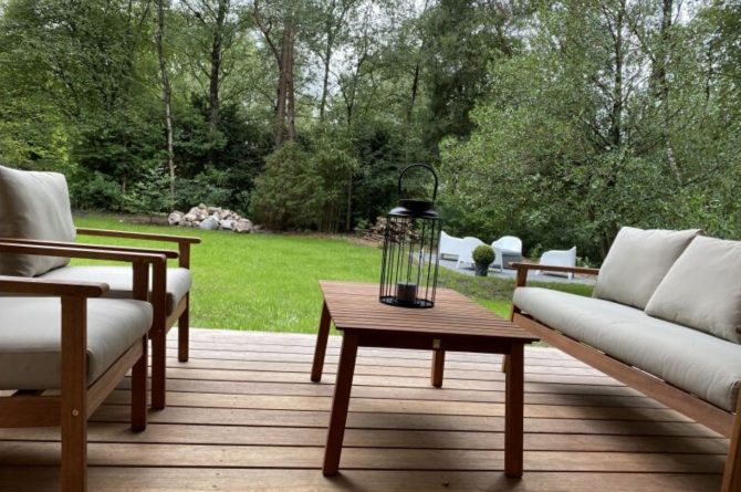 Villapparte-Natuurhuisje-Het Houten Boshuis in Koekangerveld-prachtig vakantiehuis voor 4 personen-midden in het bos-Drenthe-gezellig terras