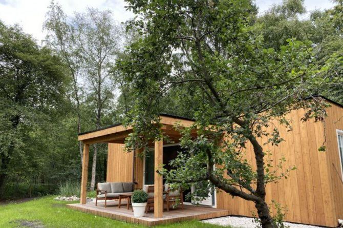 Villapparte-Natuurhuisje-Het Houten Boshuis in Koekangerveld-prachtig vakantiehuis voor 4 personen-midden in het bos-Drenthe-landelijk gelegen