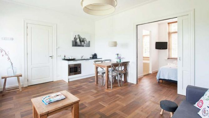 Villapparte-Villa Oldenhoff-Eliza was here-Authenthiek Boutiquehotel-Abcoude-Noord-Holland- 2 kamer appartement met keuken